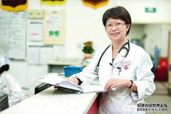 詹红:30年坚守急诊科一线 让生命通道时刻畅通