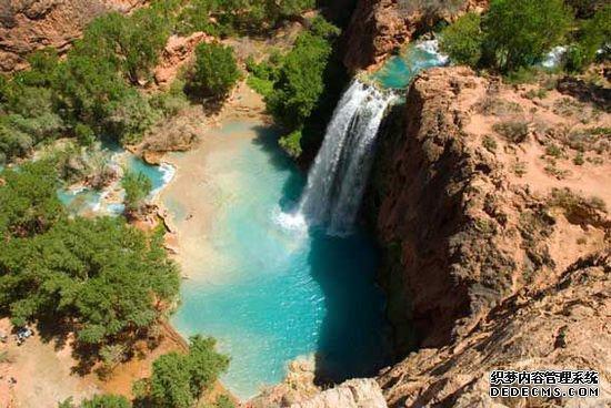 盘点全球十大天然泳池 畅享梦幻水世界