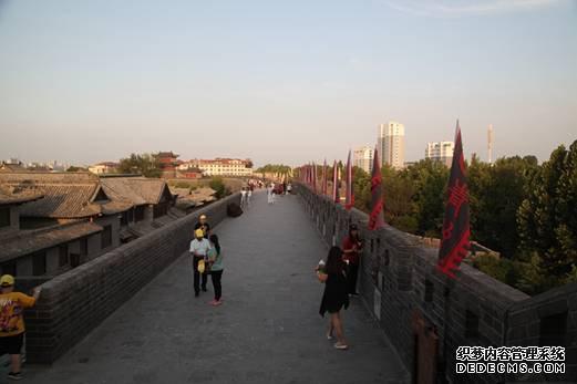 青州古城修复后的古城墙1