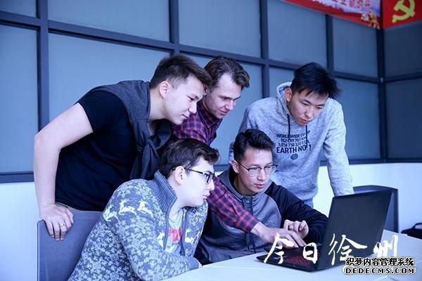 """【这个五一假期,1.8万名全球大学生""""网页游戏私服""""数学建模】"""
